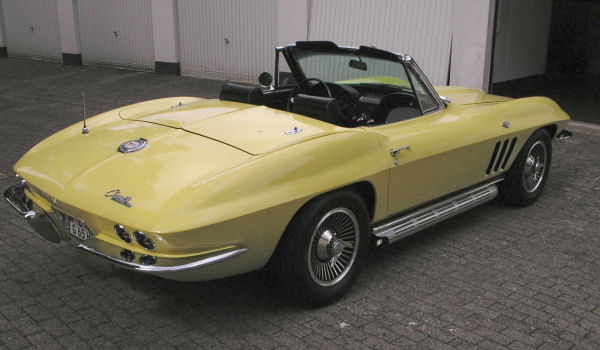 Chevrolet Corvette Sting Ray, 1965 Motor: 350 ci (5,7l) ZZ3 V8 Class: near original, stock, completely restored