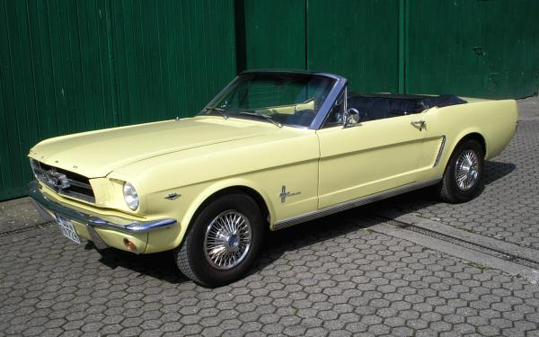 Ford Mustang, 1965 Motor: 298 ci (4,7 l) V8 Class: absolut original, stock, restored
