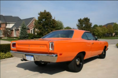 Plymouth Road Runner 440 6 Pack, 1969 (Video)